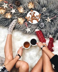 Looking for for inspiration for christmas aesthetic?Browse around this site for perfect Christmas inspiration.May the season bring you joy. Christmas Style, Christmas Mood, Merry Little Christmas, All Things Christmas, Christmas Lights, Hygge Christmas, Winter Things, Cottage Christmas, Christmas Coffee