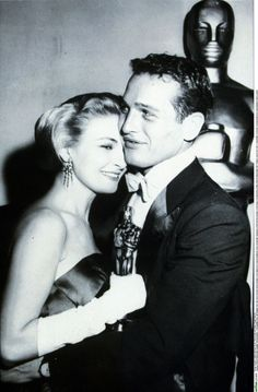 Joanne Woodward & her husband, Paul Newman, at the Academy Awards in 1958
