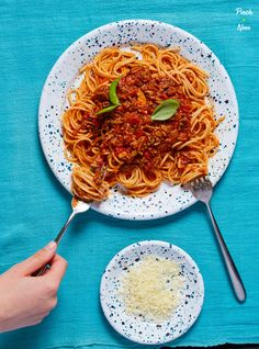 Our round-up of the Top Slimming & Weight Watchers Friendly Mince Recipes on Pinch of Nom. Great for family favourites, comfort foods and batch-cooking! Mince Recipes, Chilli Recipes, Slow Cooker Recipes, Cooking Recipes, Healthy Recipes, Healthy Dinners, Diet Recipes, Weekly Recipes, Easy Dinners