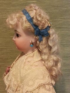 Welcome to Cherie's Petite Boutique What began as a hobby 18 years ago has now blossomed into a delightful shop and business! Antique Dolls, Vintage Dolls, Doll Costume, Costumes, Doll Wigs, Womens Wigs, Doll Dresses, French Fashion, Beautiful Dolls