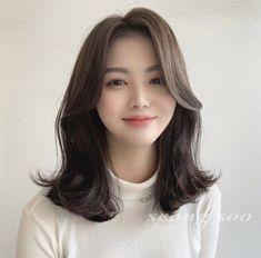 Hair Inspo, Hair Inspiration, Medium Hair Styles, Curly Hair Styles, Shot Hair Styles, Curtain Bangs, Asian Hair, Gorgeous Hair, Streetwear Fashion