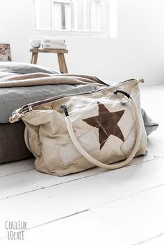 Discover bags and baskets on Couleur Locale Tote Handbags, Purses And Handbags, Ibiza Fashion, Sailing Outfit, Shopper, Beautiful Bags, My Bags, Travel Bags, Fashion Bags