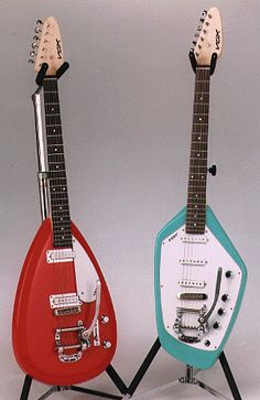 I always wanted one of these. Dee Dee Ramone played a phantom for a while