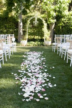 Can't really go wrong with petals down the aisle