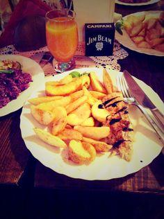 Grilowany kurczak z suszonymi pomidorami i mozzarela ..      Mniaamm :) ...