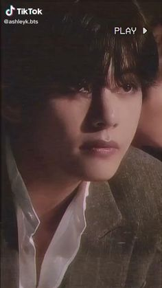 Bts Taehyung, Kim Taehyung Funny, Jungkook Hot, Taehyung Photoshoot, V Video, Foto E Video, V Bts Cute, Kpop Gifs, V Bts Wallpaper