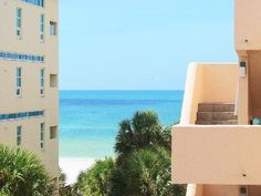 PARADISE AWAITS! UPDATED 2 BED/2 BATHVacation Rental in Siesta Key from @homeaway! #vacation #rental #travel #homeaway