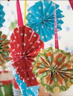 Pynt Diy Halloween, Yule, Hand Fan, Mardi Gras, Crochet Pattern, Helmet, Cool Stuff, Creative, Holiday