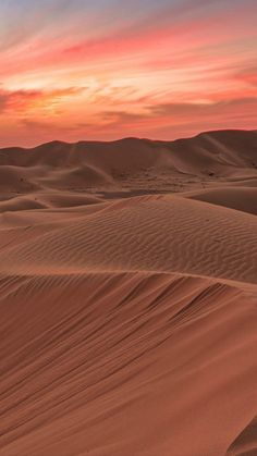 "sundxwn: "" Sunset in sand dunes by saleh almozini "" Desert Dream, Desert Art, Desert Sunset, Desert Life, Desert Oasis, Desert Places, Deserts Of The World, Star Trails, Character Aesthetic"