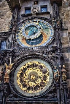 (39) Steampunk Tendencies Installed in the year 1410, this 600 year old clock in the city of Prague is the world's oldest astronomical clock still in operation!