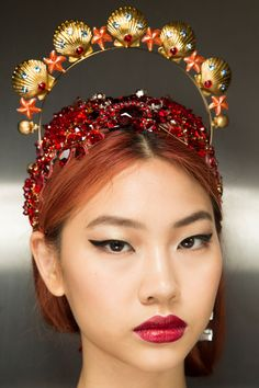 Many of the models wore oversized hair accessories, from crowns to jewelled clips.