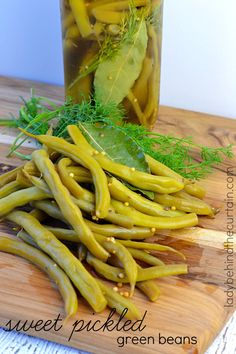 Sweet Pickled Green Beans - makes the perfect addition to a platter of savory foods like cheeses, meats and olives : ladybehindthecurtain - 7/14/15