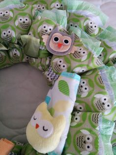 Look WHO'S New Owl Themed Diaper Wreath Baby by WreathsOvertheTop