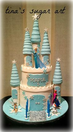 Could be made with ice cream cones and styrofoam. Frozen Castle Cake, Frozen Theme Cake, Disney Frozen Cake, Castle Cakes, Disney Cakes, Frozen Frozen, Castle Birthday Cakes, 4th Birthday Cakes, Frozen Birthday Cake