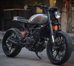 "KTM 390 Street Tracker ""Urban"" by Bendita macchina #motorcycles #streettracker #motos | caferacerpasion.com"