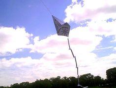 Paper Airplane Kite (Dabbletree) Stem Projects, Engineering Projects, Stem Science, Science Ideas, Teach Like A Pirate, Kindergarten Stem, Aviation Theme, Steam Education, Stem Steam