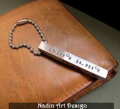 Personalisierter Schlüsselanhänger mit Koordinaten von NadinArtDesign auf DaWanda.com