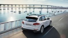Porsche Cayenne S E-Hybrid - CGI & Retouching on Behance