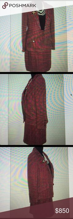 """Chanel MultiColor Tweed Jacket Skirt Suit S 4-6 40 Size is FR40 & Chanel suit is from 1998A collection/pristine condition/wool/acrylic/nylon sleeves on jacket lined only & skirt lined in 100% signature cc silk/six mauve and silver cc buttons jacket has a silver chain at the hemline/skirt zips in back/****Listing For Chanel Suit Only-Chanel Gripoix Brooch+Pearls Not Included****Jacket Apprx Measurements-Length-27""""bust-41""""waist-42""""sleeve-24""""shldrs-18""""Skirt-length 20""""waist 26""""hips-38"""" CHANEL…"""