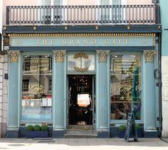 The Grand Cafe: High Street, Oxford, England Cafe Bar, Cafe Restaurant, Oxford England, Shop Facade, Shop Fronts, Lovely Shop, Shop Around, Cafe Design, London