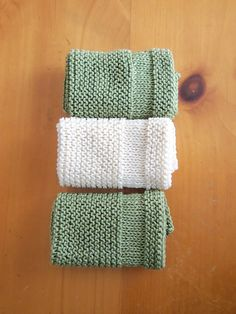 This cotton dishcloth is a quick and easy knit. It is simple, symmetrical, and the two stockinette bands at each end mimic a traditional dishcloth, hence the name 'Copycat Dishcloth'. By slipping the first stitch of every row and purling the last stitch, the 2 side edges maintain an attractive appearance and the dishcloth lays flat and square without the need for a border.