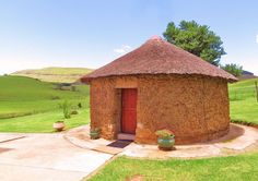 This cottage is surrounded by spectacular mountains, waterfalls, riviers, streams and indigenous forests. Fairbairn Guest Farm in Maclear, Eastern Cape.