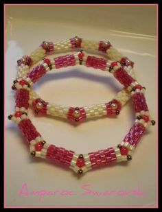 link does not work, but nice idea | peyote stitch bangle