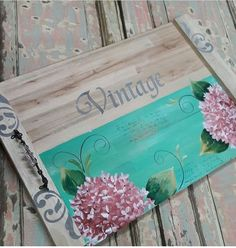 Basket Tray, Decoupage Ideas, Do It Yourself Crafts, Mix Media, Stamping Up, Wood Pallets, Bamboo Cutting Board, Wood Crafts, Farmhouse Decor