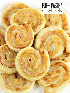 These ham and cheese puff pastry pinwheels are a great option for cocktail parties, happy hour, brunch, or girls night in.