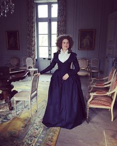 Solid navy blue redingote and matching petticoat. 18th Century Fashion, Period Outfit, Little Red, Dressmaking, Outlander, Hand Sewing, Gowns, Costumes, Navy Blue