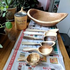 Adding a coat of oil to some last minute items for tomorrow's @thecraftyfair #wood #woodworking #homedecor #craft #design #woodenbowl #saladbowl #oak #handcarved #decor #housedecoration #natural #naturalmaterials #nature #nothingisordinary #getoutdoors #kitchen #kitchendesign #foodie #locallymade #madisonwi