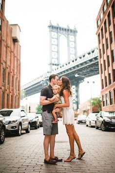 Brooklyn family photos in Dumbo by Nicki Sebastian Family Photo Sessions, Family Posing, Family Portraits, Baby Family, Family Life, City People, Jolie Photo, How To Pose, Family Goals