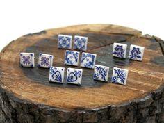 Brincos azulejo português, brincos pequeno, brincos quadrados, padrão azul, cerâmica plástica, presente aniversário