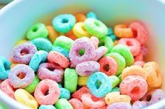 -Froot Loops- My fave cereal. I Love Food, A Food, Nutella, Chocolate Fundido, Froot Loops, Tumblr Food, Rainbow Food, Rainbow Candy, Candy Cookies