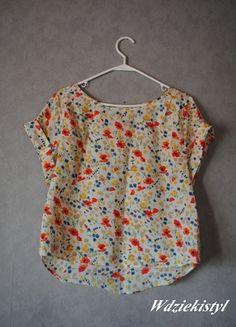 Kup mój przedmiot na #vintedpl http://www.vinted.pl/damska-odziez/bluzki-z-krotkimi-rekawami/12050878-kolorowa-bluzka-w-kwiatki