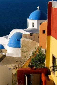 Colourful Santorini i love Greece Corfu Greece, Santorini Greece, Mykonos, Santorini Island, Greek Isles, Greece Islands, World Of Color, Europe, Macedonia