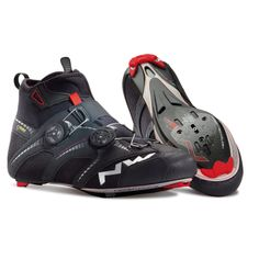 Looking for Northwave Extreme Winter GTX Road Black Shoes 2016 ? Check out our picks for the Northwave Extreme Winter GTX Road Black Shoes 2016 from the popular stores - all in one. Road Bike Shoes, Road Cycling Shoes, Mtb Shoes, Men's Cycling, Mens Mountain Bike, Mountain Bike Shoes, Winter Cycling, Shoes 2016, Road Bike Women