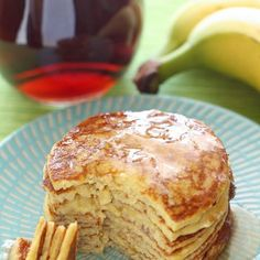 4-Ingredient Protein Pancakes 1 bananas (large, it should yield about ⅓ - ½ cup, mashed) 2 eggs 1/8 tsp baking powder (optional but recommended) 2 tbsps vanilla whey protein powder (optional; you can also add a touch of vanilla extract instead) via http://www.yummly.co.uk/recipe/Four-Ingredient-Protein-Pancakes-988118?columns=6&position=1%2F64