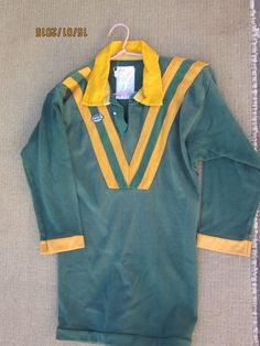 nrl vintage jersey australian team colours rugby league size 14 years child Vintage Jerseys, Rugby League, Size 14, Sportswear, Boards, Colours, Children, Heart, Table