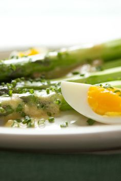 Here is an easy, springtime recipe that takes no time at all and puts the light flavors of the season right onto your table Cooking time is key: both the asparagus and the eggs must be watched carefully Arrange everything on a plate beautifully, and throw open the windows to spring
