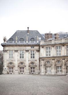 Chateau, so beautiful Beautiful Buildings, Beautiful Homes, Beautiful Places, Mansion Homes, Merci Paris, Paris Paris, Belle Villa, Le Palais, The Infernal Devices