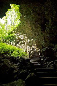 Maquoketa Caves State Park Iowa via @Rebecca Bollwitt (Rebecca Bollwitt)