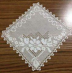 Crochet Doily Diagram, Crochet Squares, Crochet Doilies, Crochet Art, Crochet Patterns, Homemade Pillows, Fillet Crochet, Crochet Tablecloth, Crochet Slippers