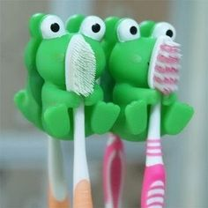 Adorable 2 Piece Green Frog Wall Suction Holders for Toothbrushes ONLY $1.99   Free Shipping! | SassyDealz.com