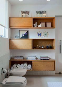 http://casa.abril.com.br/materia/marcenaria-pratica-no-banheiro?utm_source=redesabril_casas_medium=facebook_campaign=redesabril_casacombr