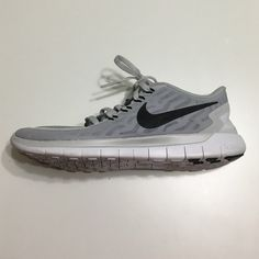 NIKE Free Run Sneakers No trades In good condition— no visible imperfections  Only worn a couple times  I only ship on standard business days (Monday - Friday) Nike Shoes Sneakers