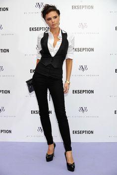 Victoria Beckham Photos - Victoria Beckham presents new Jeans Collecion at Ekseption Store on October 2008 in Madrid, Spain. - Victoria Beckham Presents Her Jeans Collection Fashion Mode, Work Fashion, New York Fashion, Fashion Outfits, Womens Fashion, Fashion Tips, Viktoria Beckham, Business Fashion, Business Attire
