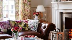 Be inspired by nature's cue to wind down. Bring indoors the rich palette of turning-leaf tones, fiery reds and comforting ceruleans, and mix weathered woodland treasures for rooms filled with true autumn attitude