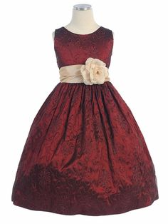 burgundy flower girl dress, again, why can't the little girls have sleeves and stay warm and little girls as long as they can?