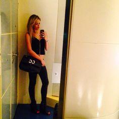 #CostanzaCaracciolo Costanza Caracciolo: Notte! Grazie @miabag borsa  e grazie @alessandroboero per avermela portata!